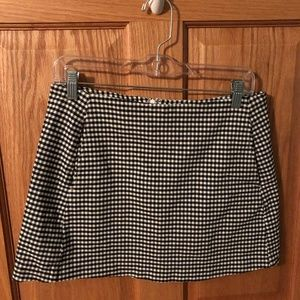 Urban Outfitters Gingham Mini Skirt w Pockets